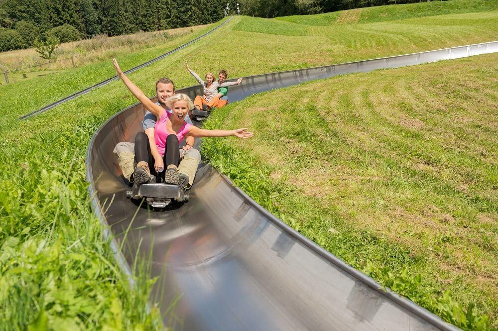 Die Sommerrodelbahn ist ein Highlight im Freizeitzentrum Peterberg