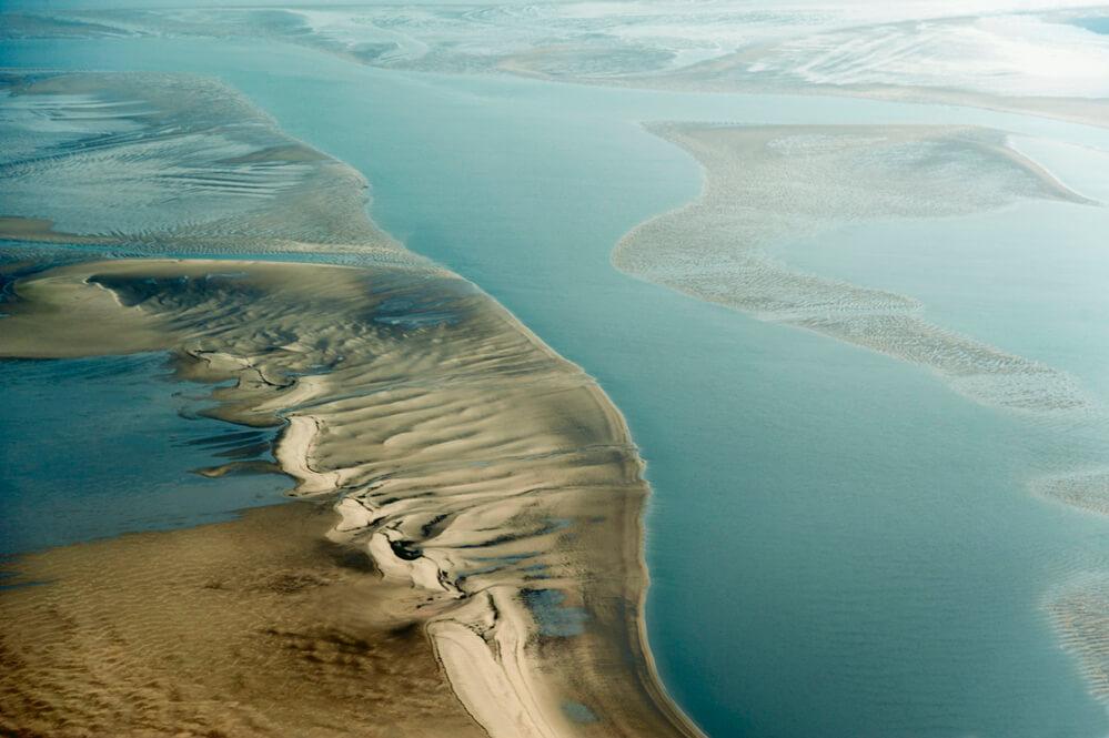 Der Nationalpark Wattenmeer aus Schleswig-Holstein ist weitgehend in seinem ursprünglichen Zustand erhalten und das vogelreichste Gebiet in Europa