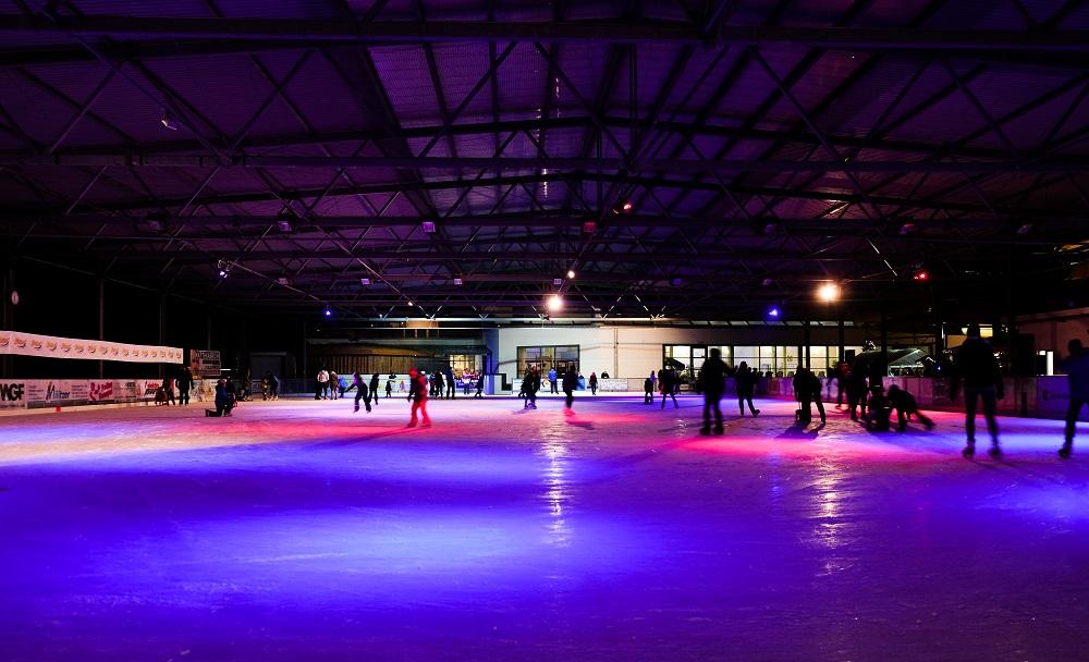 Die Eishalle im Freizeitzentrum Hains