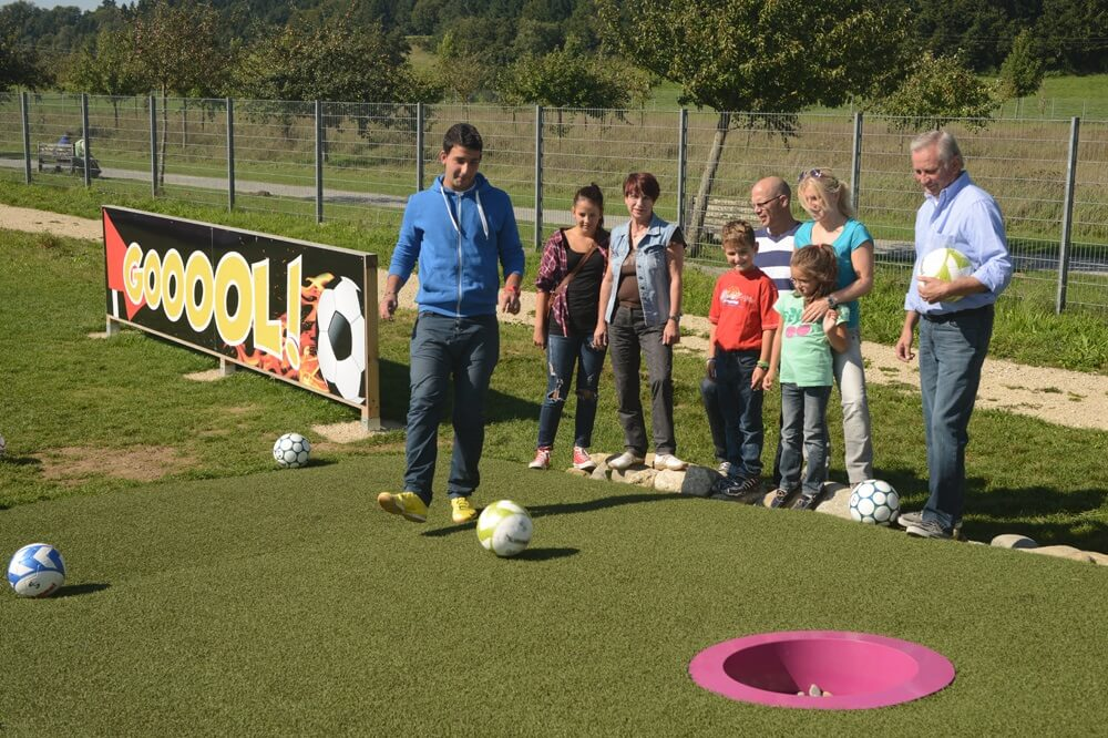 In Pfullendorf spielt man Golf gerne auch mit dem Fuss