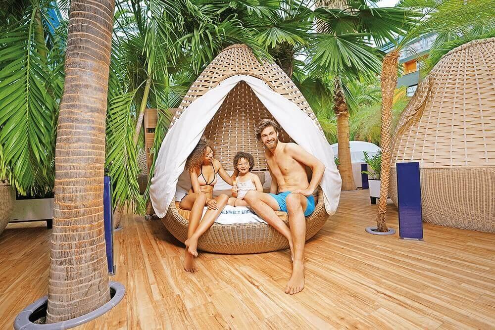 Therme Erding_Wellenbad_Family-Relax-Egg-(2)