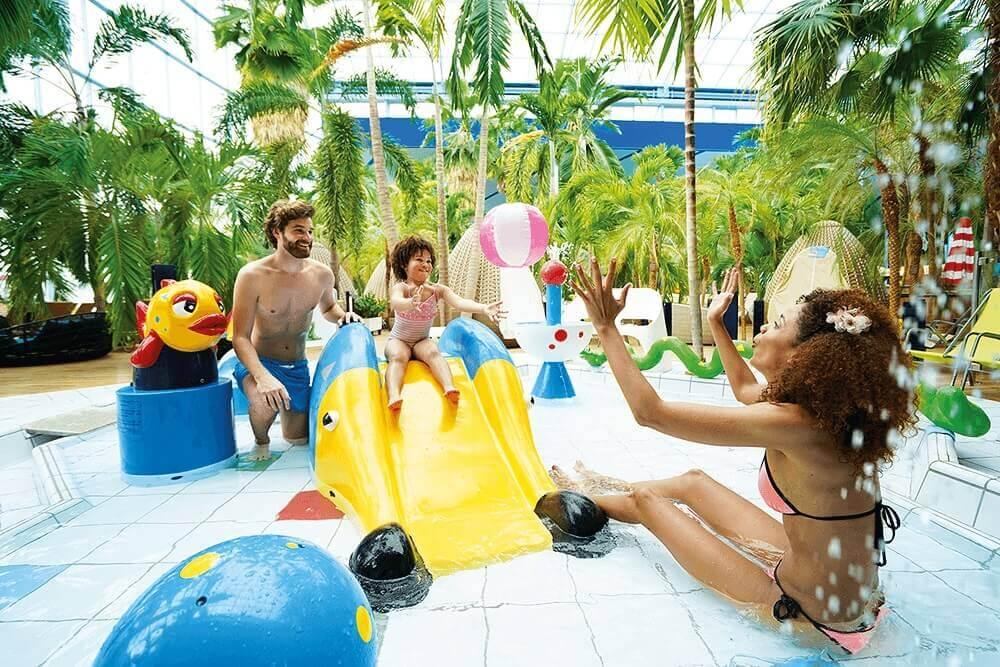 Therme Erding_Wellenbad_Kids-Pool_Familie